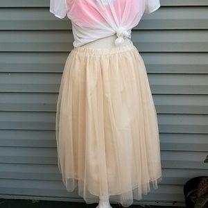 Beige Tulle Midi Skirt Size Medium NWT